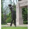 玉溪 室外活动打高尔夫铜雕塑 球场草坪人物现货供应